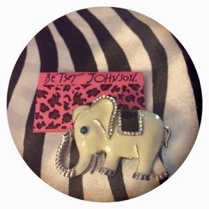 🆕Crystal Elephant Brooch Betsey Johnson